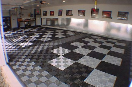 Pretty Garage Floor Design Ideas That You Can Try In Your Home 32