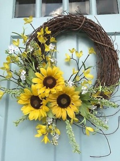 Pretty Summer Wreath Decor Ideas For Front Door 28