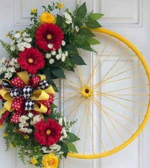 Pretty Summer Wreath Decor Ideas For Front Door 40