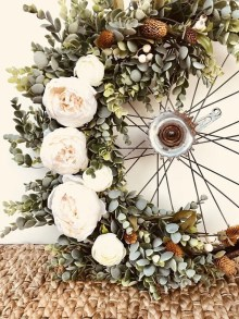 Pretty Summer Wreath Decor Ideas For Front Door 41