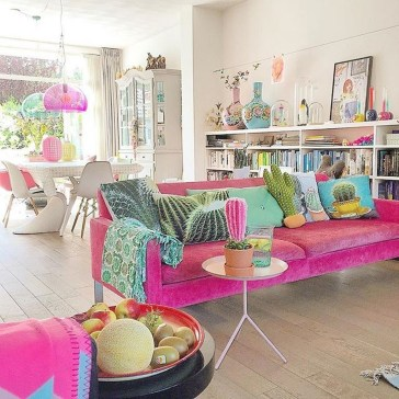Stylish Colorful Apartment Decor Ideas For Summer 17