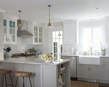 Unique Painted Kitchen Cabinets Design Ideas With Two Tone 26