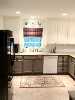 Unique Painted Kitchen Cabinets Design Ideas With Two Tone 38