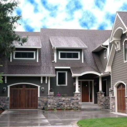 Astonishing Exterior Paint Colors Ideas For House With Brown Roof 40