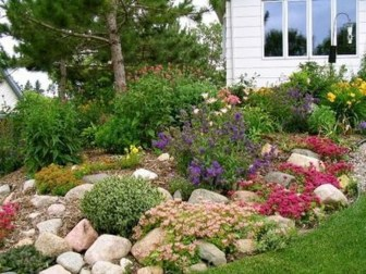 Attractive Border Garden Ideas To Your Landscaping Edging 04
