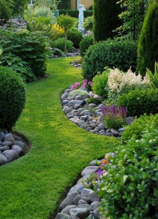 Attractive Border Garden Ideas To Your Landscaping Edging 41