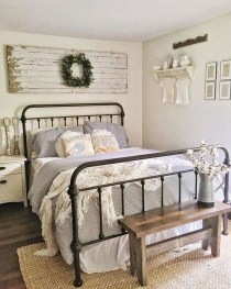 Classy Farmhouse Bedroom Ideas To Try Right Now 40