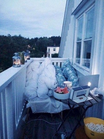Cool Apartment Balcony Design Ideas For Small Space 34