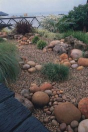 Cozy Rock Garden Landscaping Ideas For Make Your Yard Beautiful 05