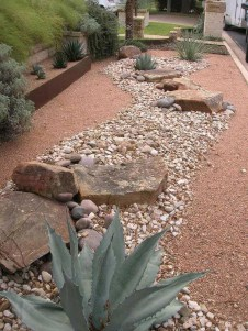 Cozy Rock Garden Landscaping Ideas For Make Your Yard Beautiful 11