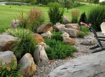 Cozy Rock Garden Landscaping Ideas For Make Your Yard Beautiful 46
