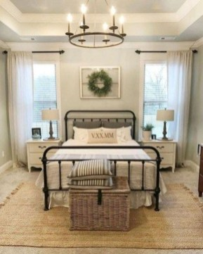Enchanting Farmhouse Bedroom Ideas For Your House Design 34