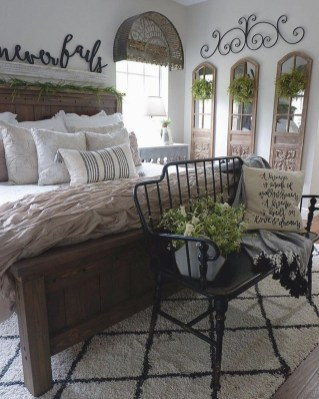 Enchanting Farmhouse Bedroom Ideas For Your House Design 41