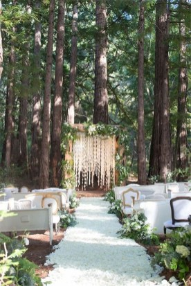 Splendid Wedding Decorations Ideas On A Budget To Try 21