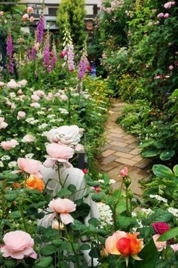 Unusual Garden Path Design Ideas On A Budget To Try Now 25