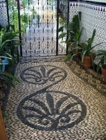 Amazing Diy Mosaic Decorations Ideas To Inspire Your Own Garden 41