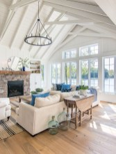 Attractive Lake House Decorating Ideas For You 21