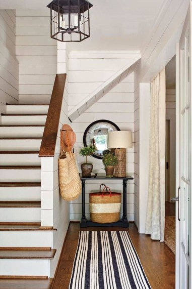Attractive Lake House Decorating Ideas For You 53