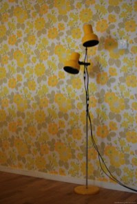 Awesome Retro Wallpaper Decor Ideas To Try 27