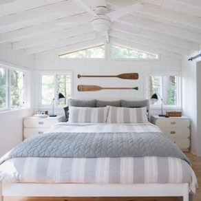 Enchanting Lake House Bedroom Design And Decor Ideas 15