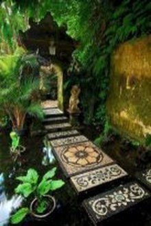 Popular Garden Path And Walkway Ideas To Your Outdoor Space 10