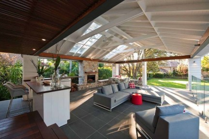 Relaxing Living Room Design Ideas For Outdoor 42