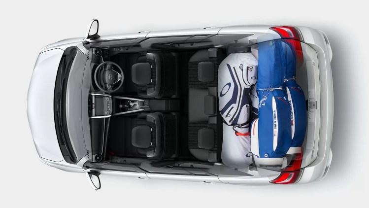 新型(現行)トヨタカローラ・フィールダーの後部座席・ラゲッジ評価まとめ