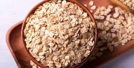 tazza fiocchi d'avena alimenti per abbassare il colesterolo