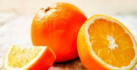 arance spicchio arancia tagliata metà