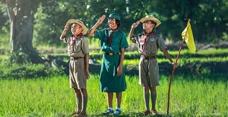 bambini scoutismo boschi prato