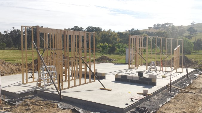 Second block course and internal wall frames