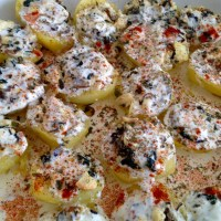 Ziemniaki faszerowane szpinakiem i serem feta