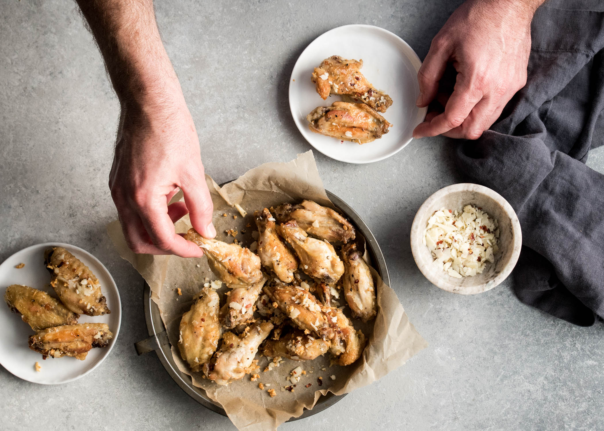 Garlic Parmesan Chicken Wings | cookandsavor.com