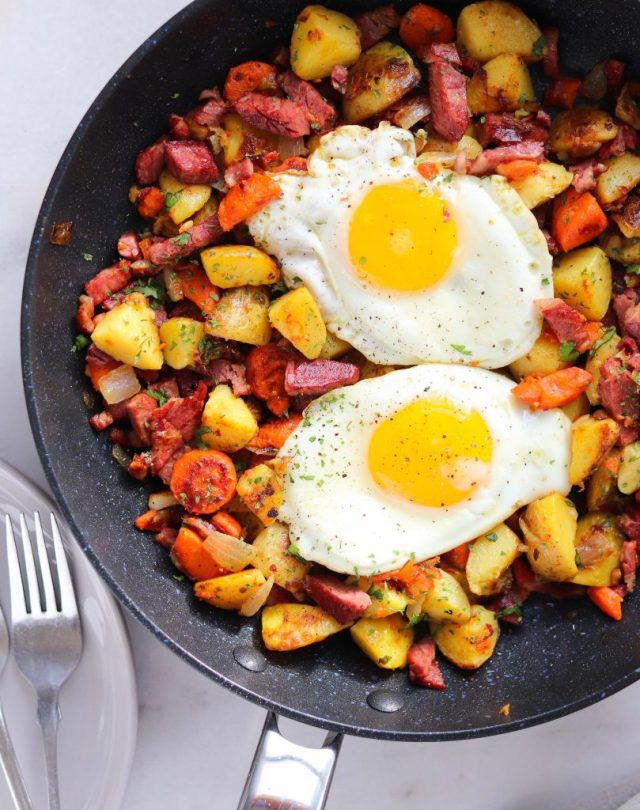 Whole30 Instant Pot Corned Beef Hash