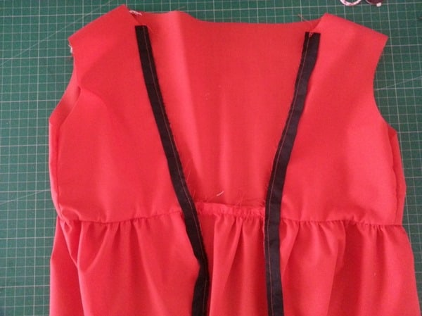 Sew a Queen of Hearts Dress (8)