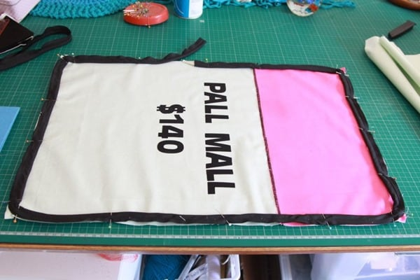 How to sew a monopoly floor cushion or stool (16)