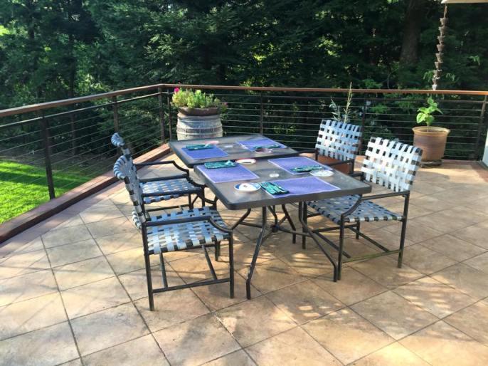 deck-dinner