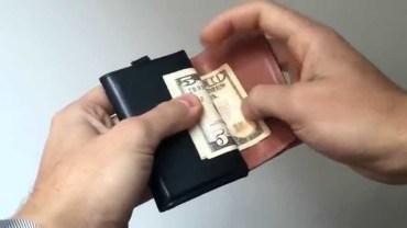 5 Futuristic Wallets Every Man Must Have –  EP – 03