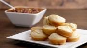 Mozzarella – Stuffed Cornbread Muffins