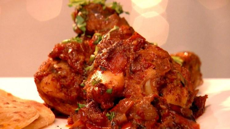 Kashmiri Chilli Chicken & Wheat Parotta Recipe
