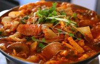 Army base stew – Budae-jjigae: 부대찌개