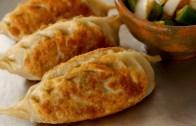 King-size kimchi dumplings – Kimchi-Wangmandu: 김치왕만두