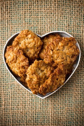 Recipe: Mom's Oatmeal Raisin Cookies