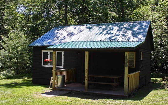 Whispering Oaks Cabin 1