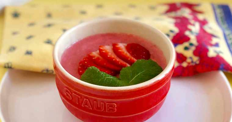 Healthy Strawberry Mousse | cookglobaleatlocal.com