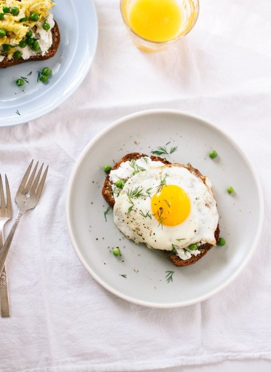 Goat Cheese and Eggs Toast with Peas and Dill