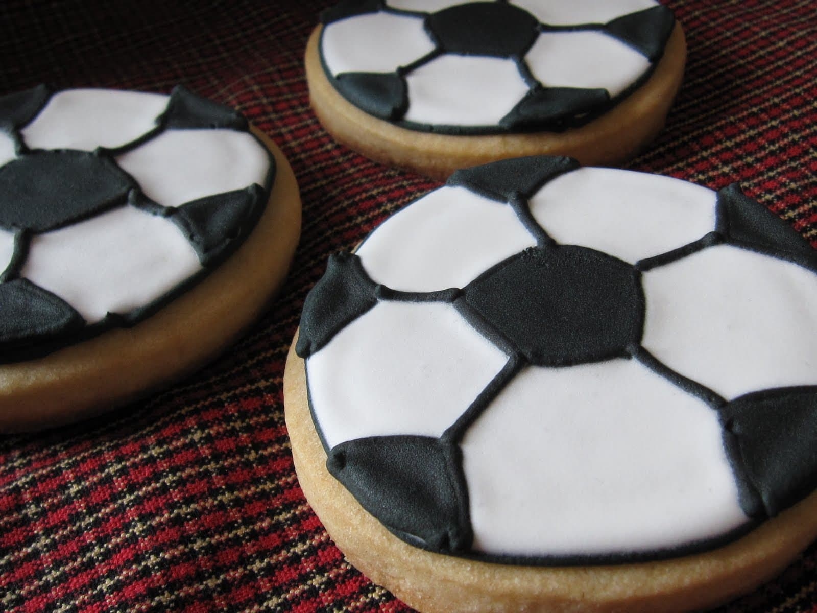 Soccer ball cookies recipe