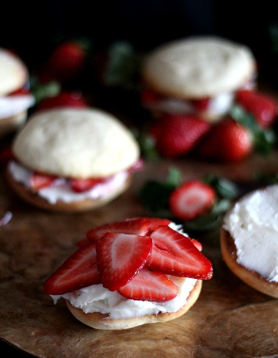 Strawberry Shortcake Whoopie Pies | Cookies and Cups