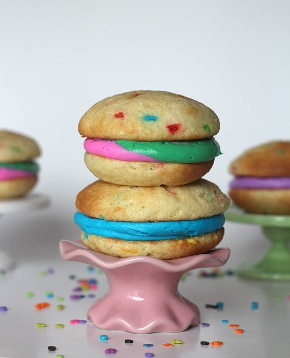 Funfetti Whoopie Pies | Cookies and Cups
