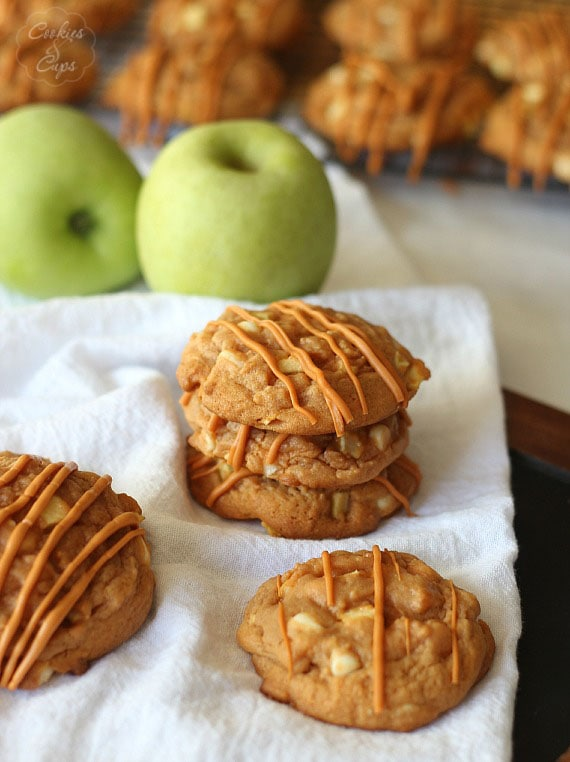 Butterscotch Apple Pudding Cookies | www.cookiesandcups.com